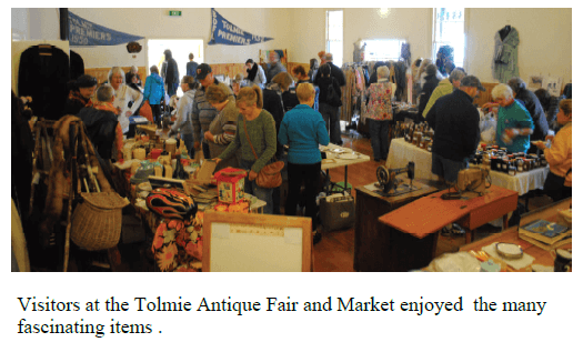 Visitors at the Tolmie Antique